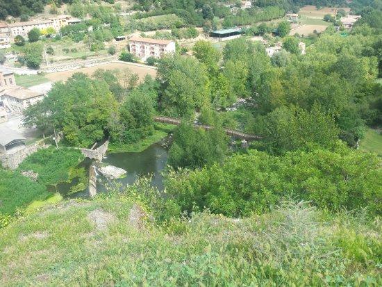Castellfollit de la Roca, España: Puente desde arriba