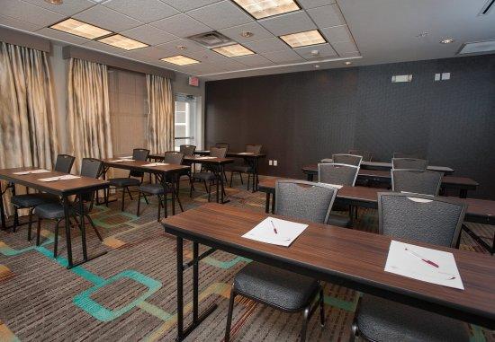 Hoover, AL: Meeting Room - Classroom-Style