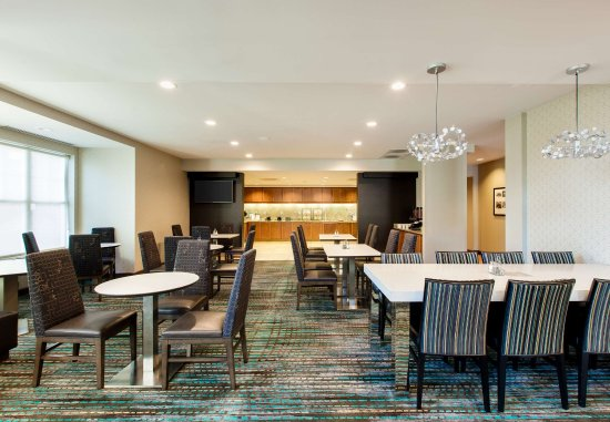 Bedford Park, IL: Dining Area