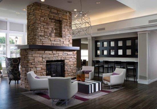 Residence Inn Melbourne: Lobby Seating Area