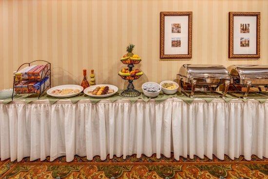 Hilton Garden Inn Lakewood: Everett Banquet Room Food