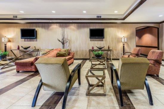 Comfort Suites Alexandria: Lobby