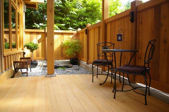 Roberts Creek, Канада: Tea Garden Suite