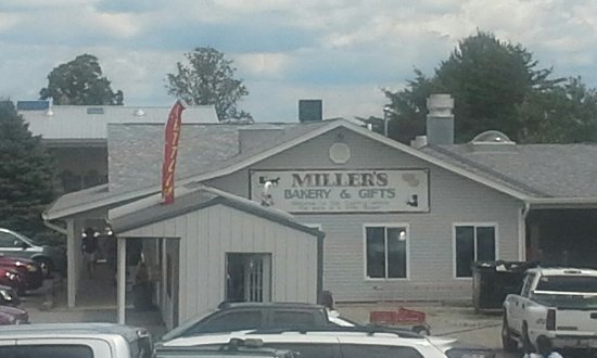 West Union, OH: Miller's Bakery & Furniture