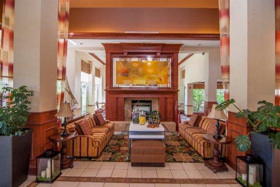 Hilton Garden Inn Mystic Groton: Hotel Lobby