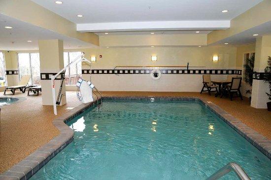 Hilton Garden Inn Mystic Groton: Pool
