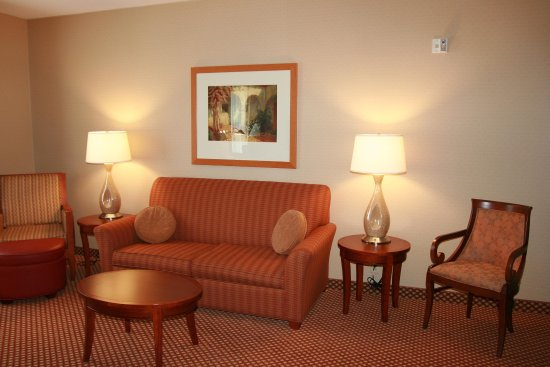 Groton, CT: Suite Living Area