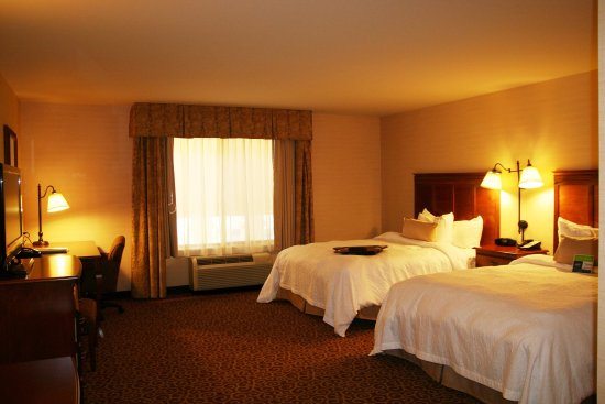 Rawlins, WY: Two Queen Standard Room