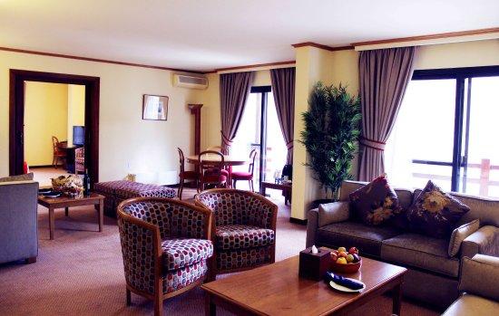 Кфардебиан, Ливан: Diplomatic Suite