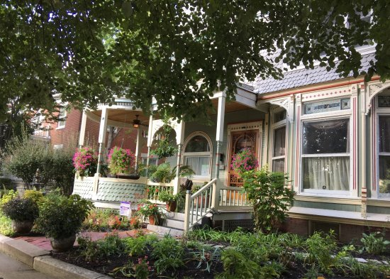 Photo of Garnet House Bed and Breakfast Dayton
