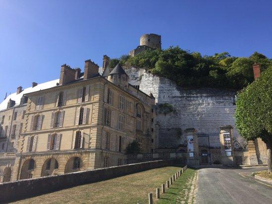 La Roche-Guyon, Frankrijk: Way in and Donjon
