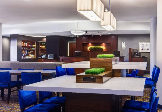 Ankeny, IA: The Bistro – Seating Area