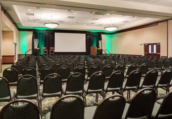 Ankeny, IA: Ballroom – Theater Setup