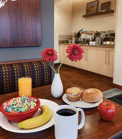 Joliet, Ιλινόις: Complimentary Breakfast
