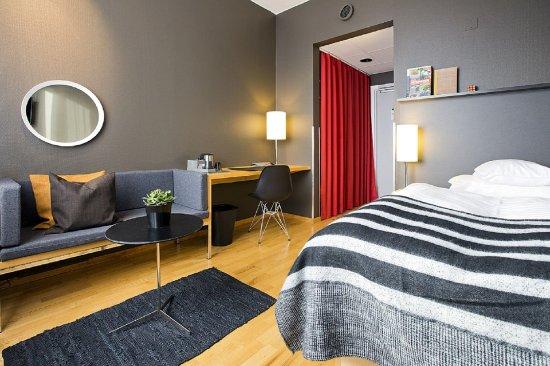 Бромма, Швеция: Single