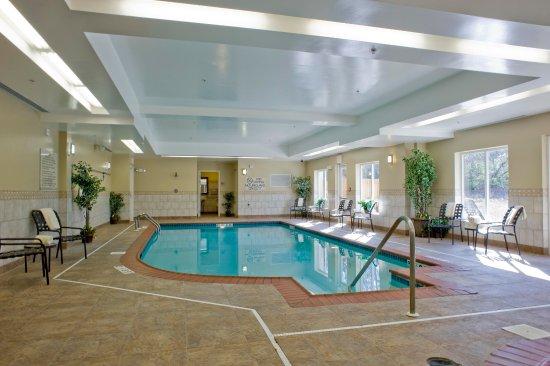 Hilton Garden Inn Huntsville South: Indoor Heated Pool