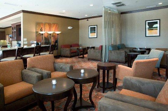 Hilton Garden Inn Granbury: Dining Lounge