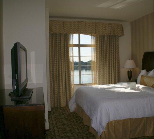 Hilton Garden Inn Granbury: Guest Suite Bedroom