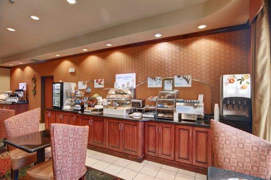 Altus, OK: Breakfast Bar