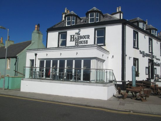 The Harbour House Hotel: We had a lovely lunch here.