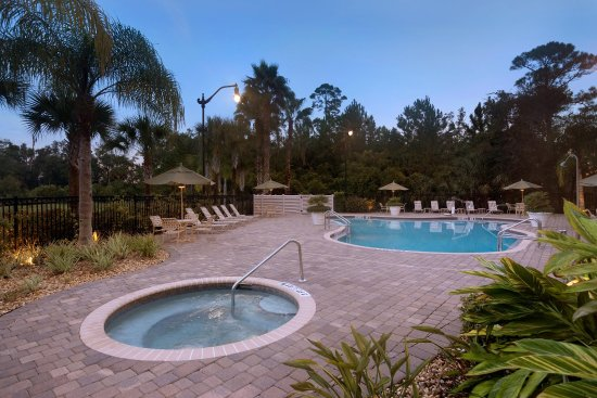 هيلتون جاردن بالم كوست تاون سنتر: Outdoor Swimming Pool