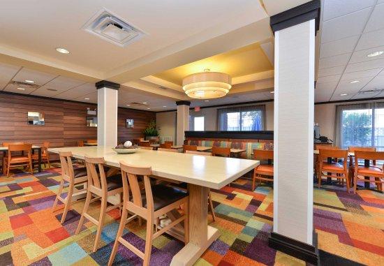 Kingsland, GA: Breakfast Room