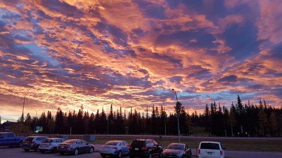 Hinton, Canada: 20160926_073357_large.jpg