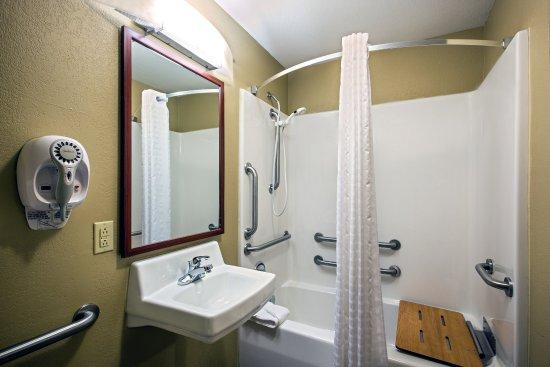 Perrysburg, Οχάιο: Guest Bathroom