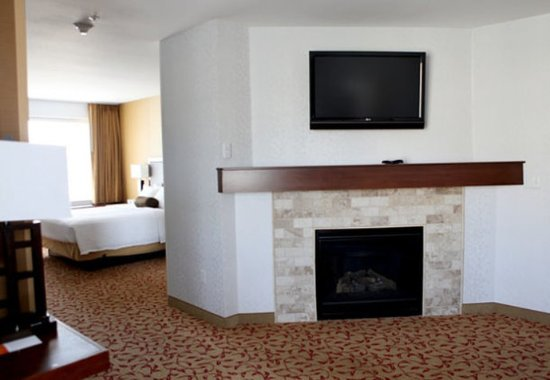 Logan, UT: Whirlpool Suite Living Area