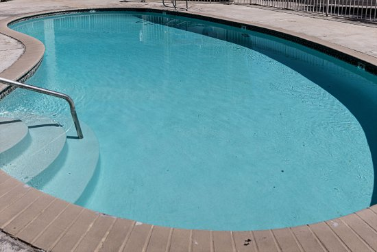 Motel 6 Fresno: Pool