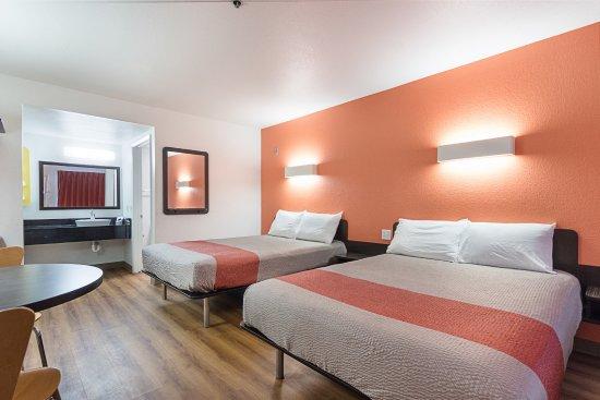 Motel 6 Fresno
