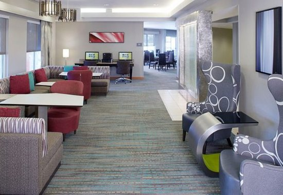 Residence Inn Clearwater Downtown: Lobby Sitting Area