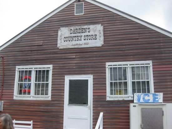 ‪Darden's Country Store‬