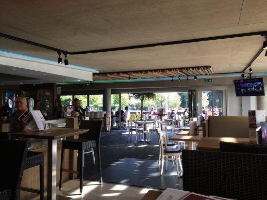 Corby, UK: Qube Interior