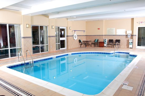 Hilton Garden Inn Chesapeake/Suffolk : Pool and Whirlpool