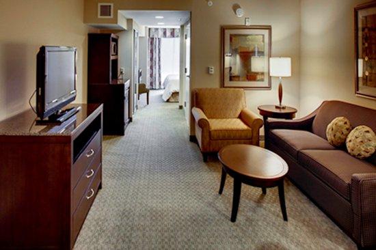 Tifton, GA: King Junior Suite