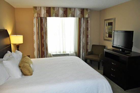 Tifton, Georgien: Suite Bedroom