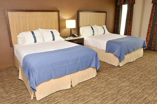 เซอร์เรย์, แคนาดา: Holiday Inn East Surrey Double Queen room Surrey Hotel BC