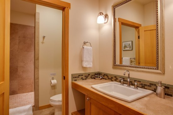 Cashmere, WA: Anjou Suite Bath