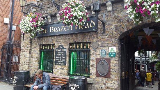 The Brazen Head: Entrance