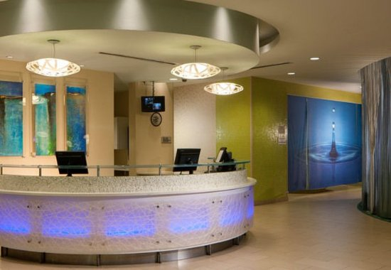 SpringHill Suites Orlando at SeaWorld®: Front Desk