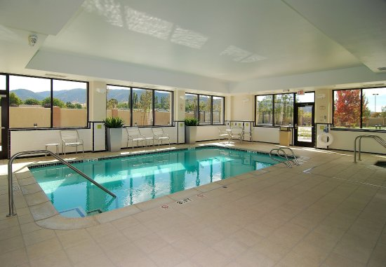 Tehachapi, كاليفورنيا: Indoor Pool & Spa