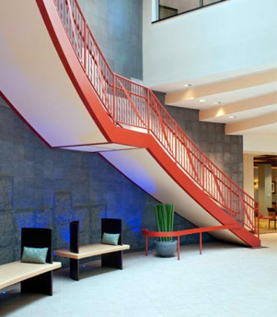 Residence Inn Portland Downtown/Waterfront: Staircase