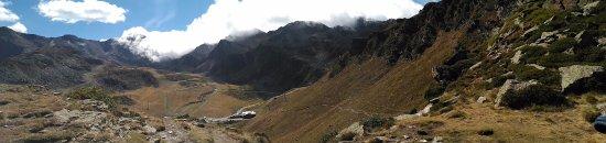 El Serrat, Andorra: Camino desde el coche