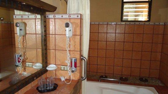 Savegre Hotel, Natural Reserve & Spa: Bathroom