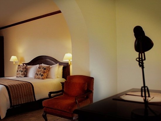 Hotel Sebastian: Junior Suite King:  cama king size, TV por cable, wifi, calentador, minibar.