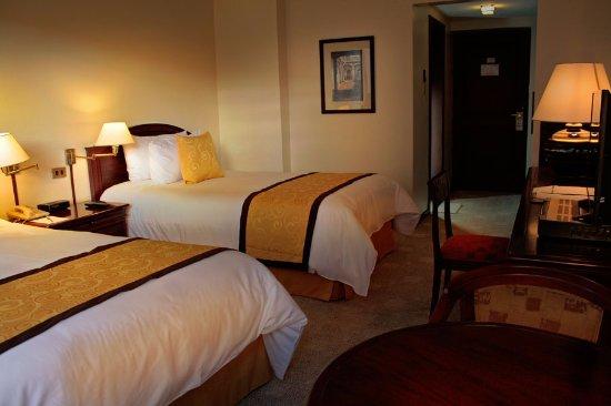 Hotel Sebastian: Estándar Doble: 2  camas full size, TV por cable, wifi, calentador.
