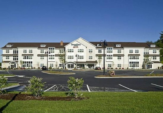 TownePlace Suites Laconia Gilford: Exterior