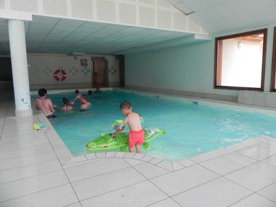 Flumet, France: Espace piscine