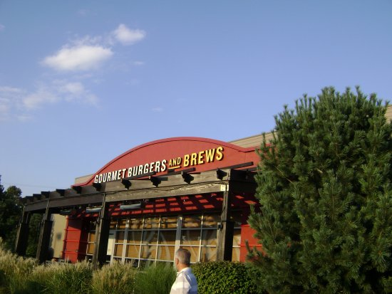 Red Robin Gourmet Burgers: Red Robin restaurant, Cranberry PA